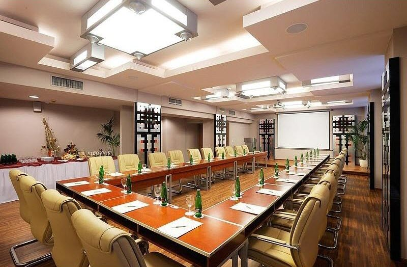 conference_rooms_13_1372843517_800x600_ft